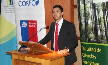 Seremi de Energía participó en seminario en torno al uso de la leña