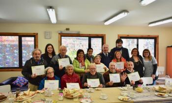 Adultos Mayores residentes de Condominio de Viviendas Tuteladas de Coyhaique fueron beneficiados con kits Efic...