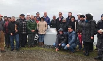 Autoridades y vecinos colocan la Primera Piedra en Isla Queullín para que más de 100 familias tengan energía eléctrica